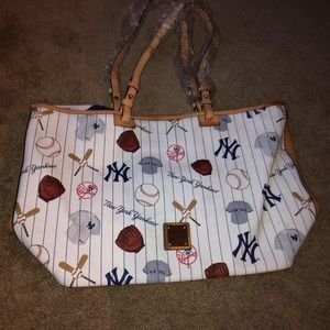 Dooney & Bourke Bags - Dooney & Bourke New York Yankees Tote New